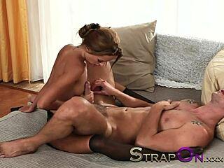 Small ass nude LeAnn Rimes,